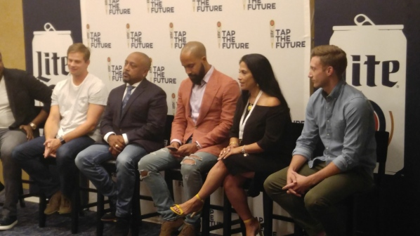 MILLER LITE AND DAYMOND JOHN RETURN TO HOUSTON WITH TAP THE FUTURE LIVE PITCH TOUR